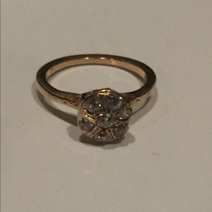 14 kt gold and diamond ring